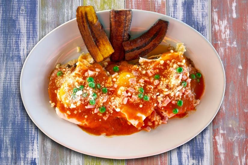 Motulenos eggs breakfast of Mexico